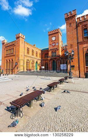 Kolobrzeg, Poland - April 08, 2016: City Center Of Kolobrzeg With Neo Gothic Building Of City Hall,
