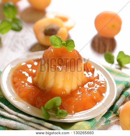 Panna Cotta With Apricots/peach Suace