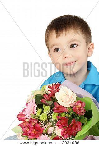 ein Junge mit Blumenstrauß Blüte