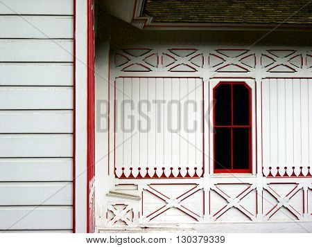 a picture of of an exterior 1890's Victoria style cottage