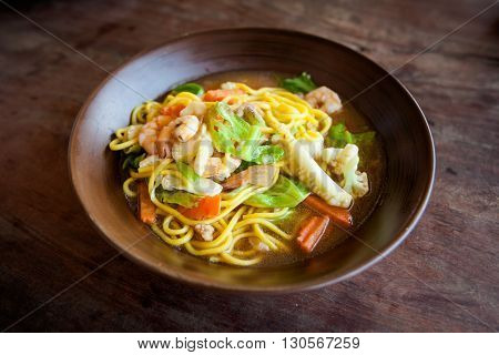 Thai Fried Noodle With Prawns