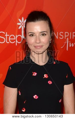 LOS ANGELES - MAY 20:  Linda Cardellini at the Step Up Inspiration Awards at Beverly Hilton Hotel on May 20, 2016 in Beverly Hills, CA