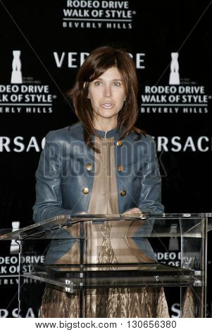 Peri Ellen Bern at the Gianni and Donatella Versace Receive Rodeo Drive Walk Of Style Award held at the Rodeo Drive in Beverly Hills, USA on February 8, 2007.