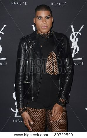 LOS ANGELES - MAY 19:  Earvin Johnson III, aka EJ Johnson at the Zoe Kravitz Celebrates Her New Role With Yves Saint Laurent Beauty at Gibson Brands Sunset on May 19, 2016 in West Hollywood, CA