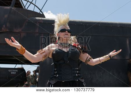 Post-apocalyptic Survival Costume Woman