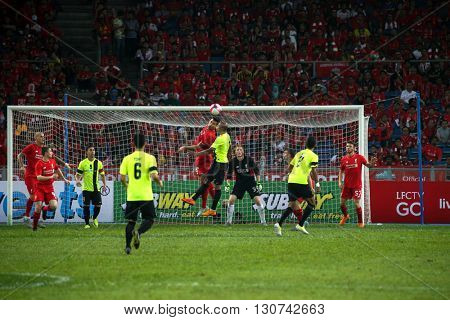 July 24, 2015- Shah Alam, Malaysia: Liverpool's players (red) defends the goal in a friendly match against the Malaysian Team. Liverpool Football Club from England is on an Asia tour.