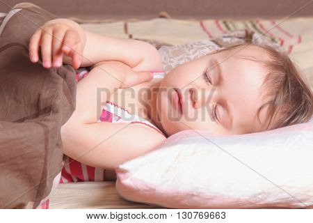 beautiful little baby girl sleeping (childhood security family)