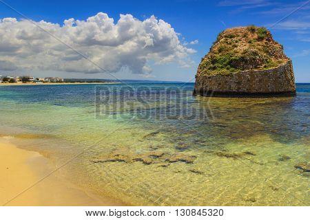 SUMMER SEASCAPE. Salento coast: Torre Pali beach (Lecce). ITALY (Apulia).