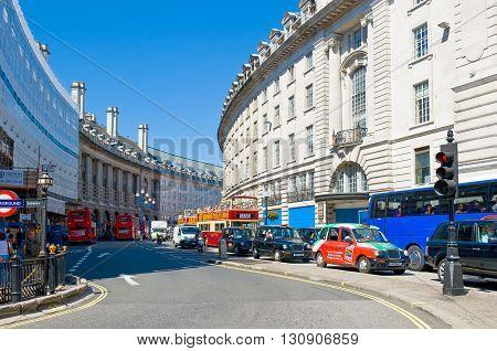 London England - July 1 2008: Traffic in Regent streeet