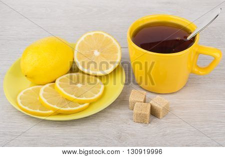 Tea With Brown Sugar And Lemon