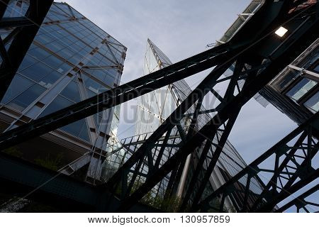 London City Buildng Abstract