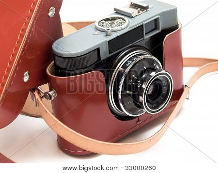 Vintage 35Mm Film Camera With Case