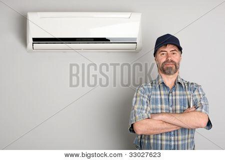 Master of repair air conditioners.