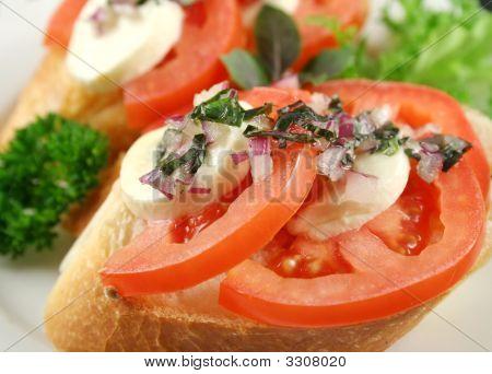 Tomaten und Bocconcini bites