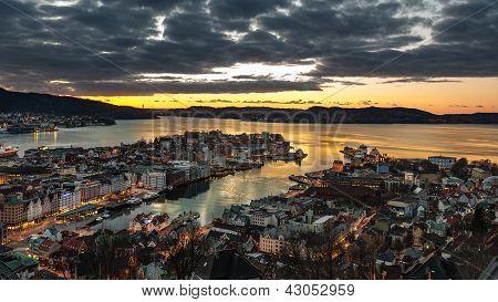 Bergen at night