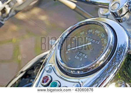 Chromed Speedometer