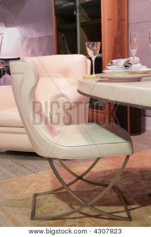 Luxurious Dinning-room