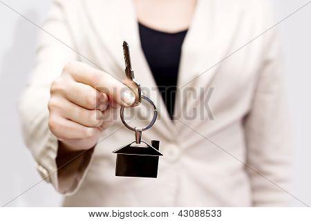 Dando as chaves de casa