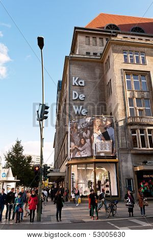 Kadewe - Large Department Store In Berlin
