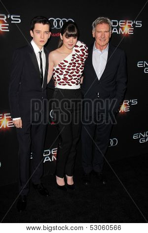 LOS ANGELES - OCT 28:  Asa Butterfield, Hailee Steinfeld, Harrison Ford at the