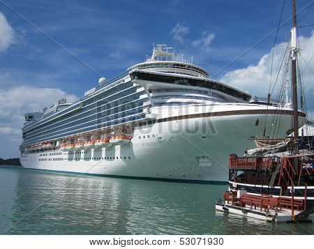 Ruby Princess in Antigua
