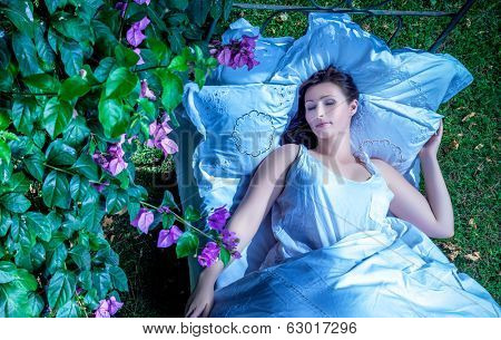 night outdoor dreaming female