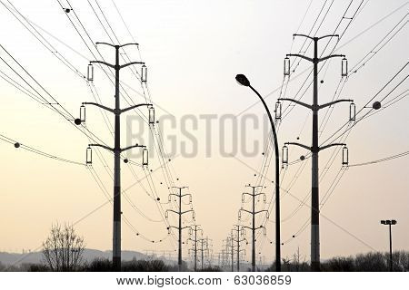 High-tension lines, the energy in perspective (France Europe)