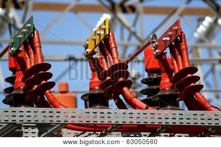 Electrical Connectors Red Green And Yellow High Voltage To The Transformer 3