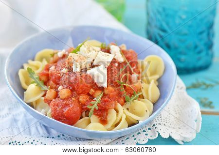 Pasta With Tomato And Chickpea Sauce