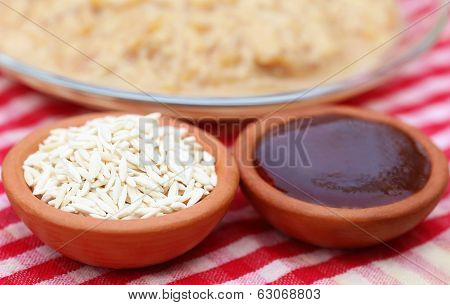 Date Molasses With Vermicelli Payesh