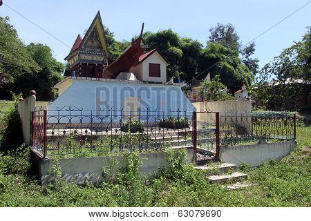 Batak Grave