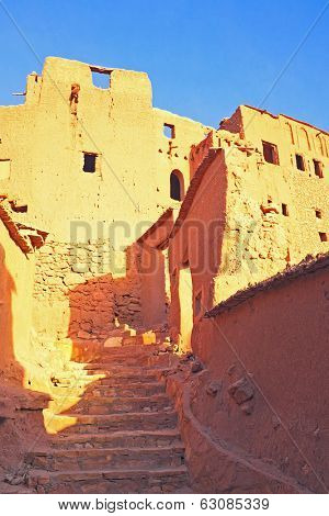 Ait Benhaddou,fortified city, kasbah or ksar, along the former caravan route between Sahara and Marrakesh in present day Morocco. It is situated in Souss Massa Draa on a hill along the Ounila River.