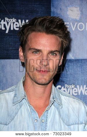 LOS ANGELES - SEP 18:  Riley Smith at the People Stylewatch Hosts Hollywood Denim Party at The Line on September 18, 2014 in Los Angeles, CA