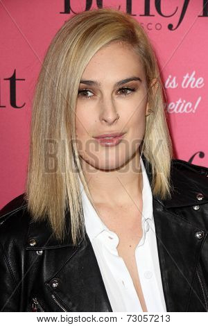 LOS ANGELES - SEP 26:  Rumer WIllis at the Benefit Cosmetics Kicks Off Wing Women Weekend at Space 15 Twenty on September 26, 2014 in Los Angeles, CA