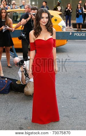 NEW YORK-SEP 26: Actress/model Emily Ratajkowski attends the