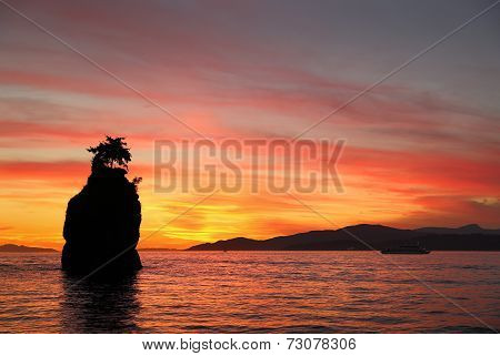 Siwash Rock Sunset, English Bay, Vancouver