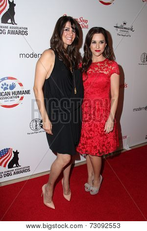 LOS ANGELES - SEP 27:  Tara Mercurio, Lacey Chabert at the Hero Dog Awards at Beverly Hilton Hotel on September 27, 2014 in Beverly Hills, CA