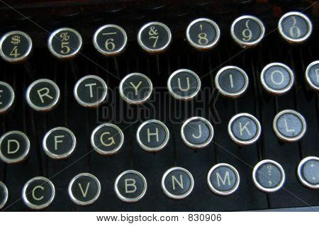 typewritter keysantique