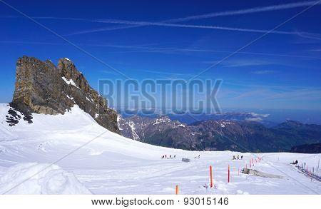 Ski Snow Mountains Park Titlis