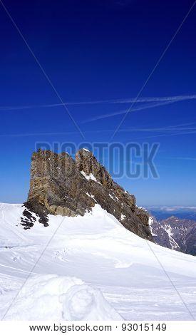 Ski Snow Mountains Park Titlis Vertical