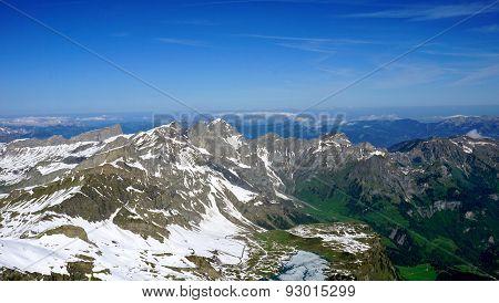 Titlis Snow Mountains Background