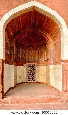 arch at Humayun's tomb, New Delhi