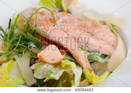 Chicken meat and salad known as