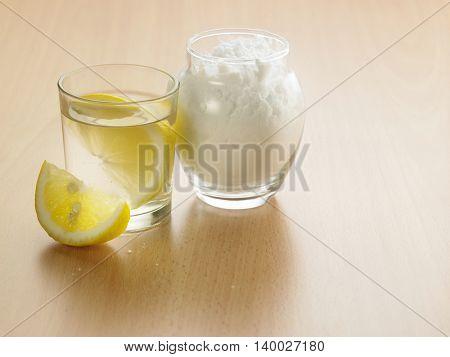 spoonful of baking soda with lemon