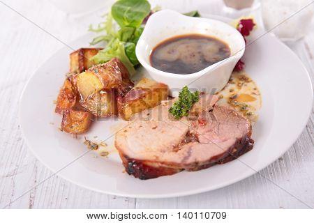 roast beef and sauce