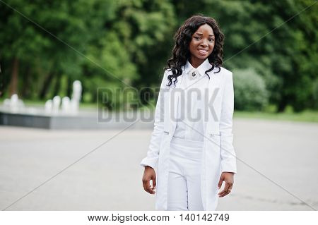 Stylish And Beautiful Black African American Girl Background Fountain At City