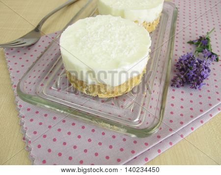 Yogurt-coconut-cake with cookie crumbs crust without baking