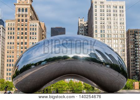 Chicago United States: May 27 2016. Cloud Gate Sculpture Early in the Morning