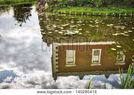 Woerlitzer Park, Villa Hamilton Mirroring In Water