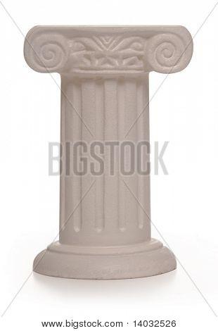 Stein Säule eine verschleierte Objekt auf einem weißen Hintergrund unterstützt